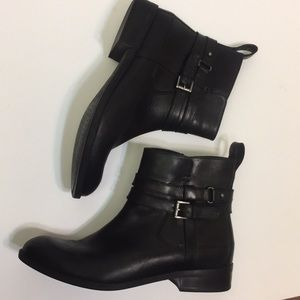 Clarks Artisan Black Leather Booties. Size 7 1/2